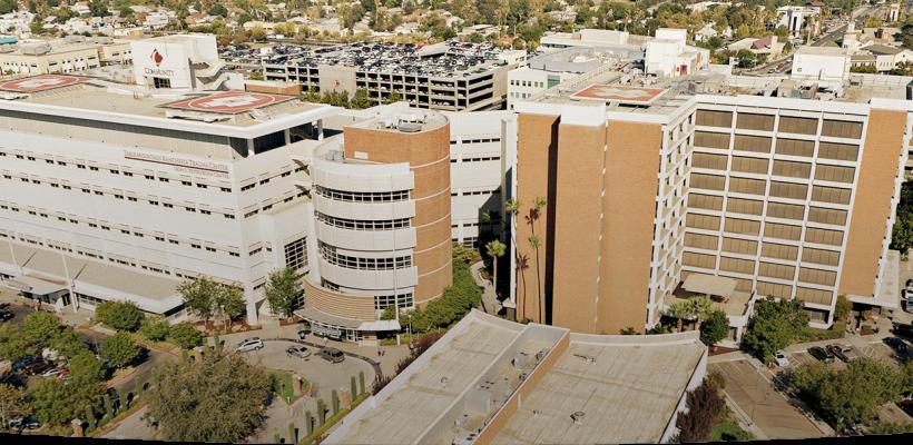 El centro médico Fresno utiliza tecnología RFID para renovar el acceso al  estacionamiento