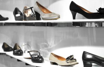 Cooperativa Europea prueba etiquetar zapatos